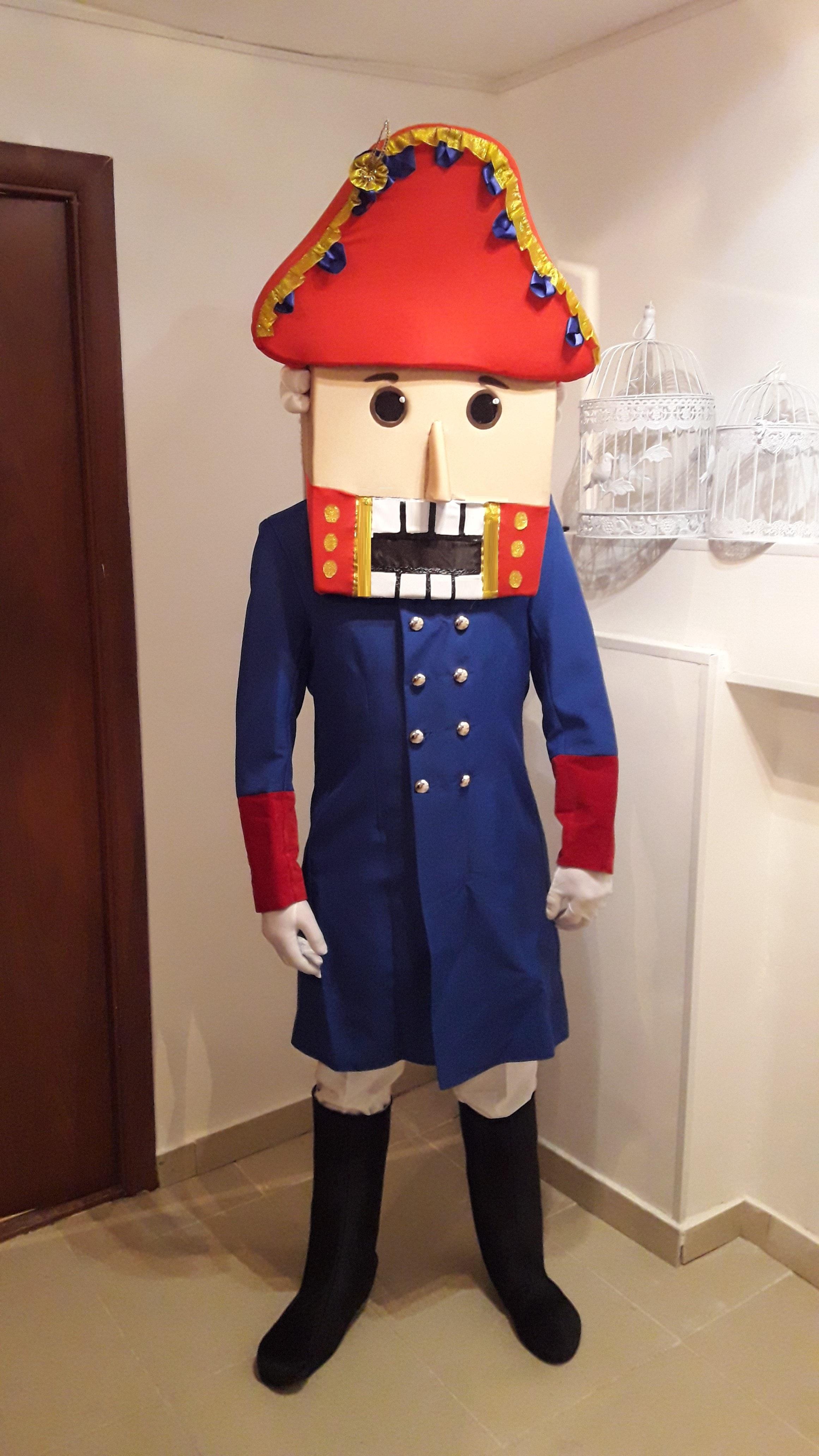 Ростовая кукла на Новый год напрокат Щелкунчик